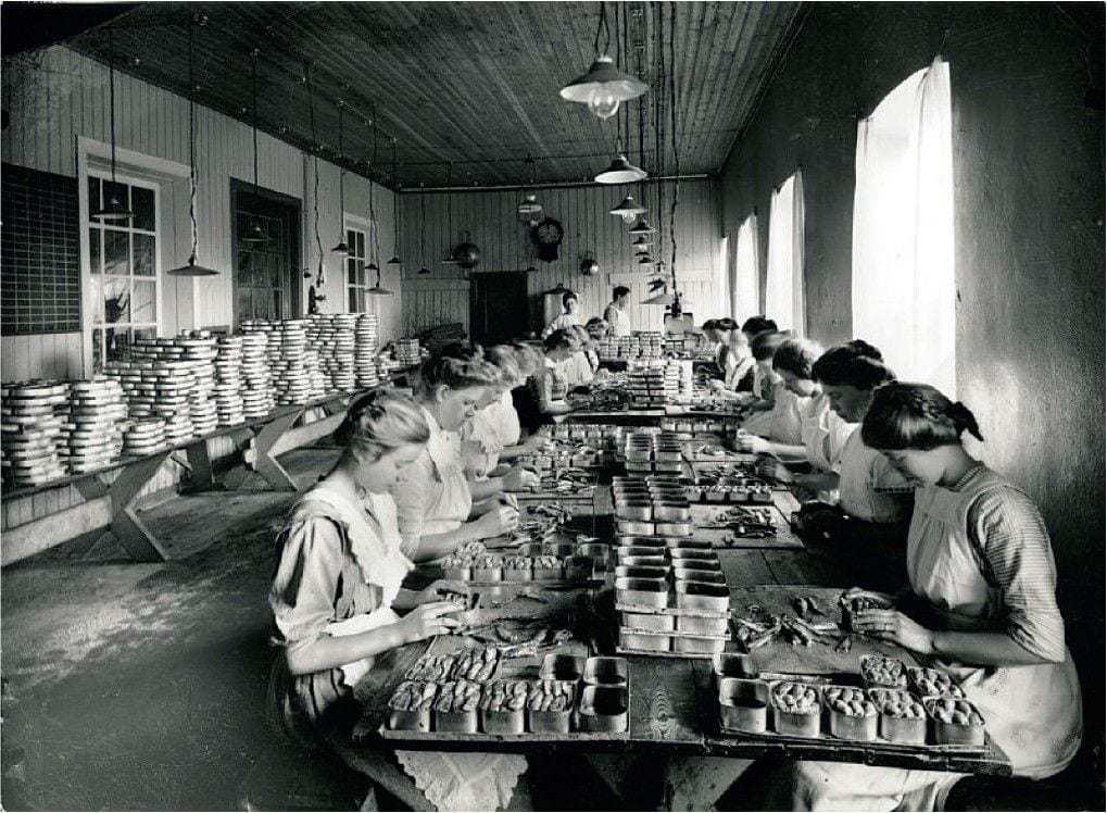 Bilde fra hermetikkindustriens storhetstid i Stavanger øst