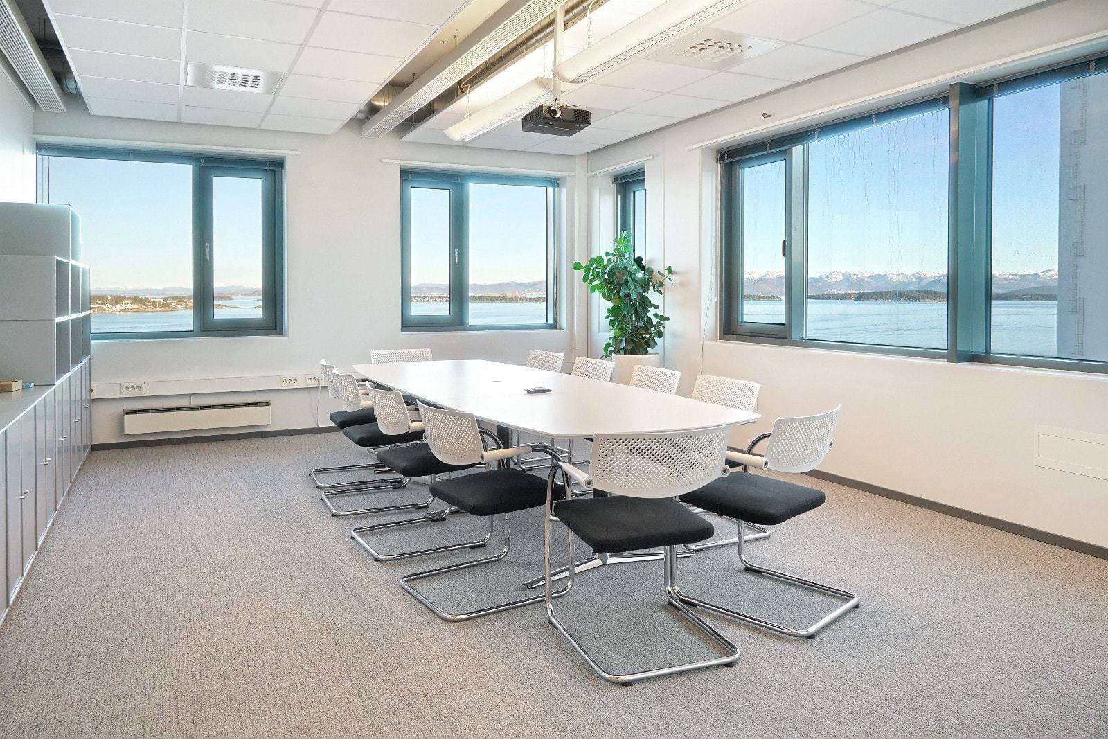 Kontor med opptil 4 arbeidsplasser på 73,4 m2