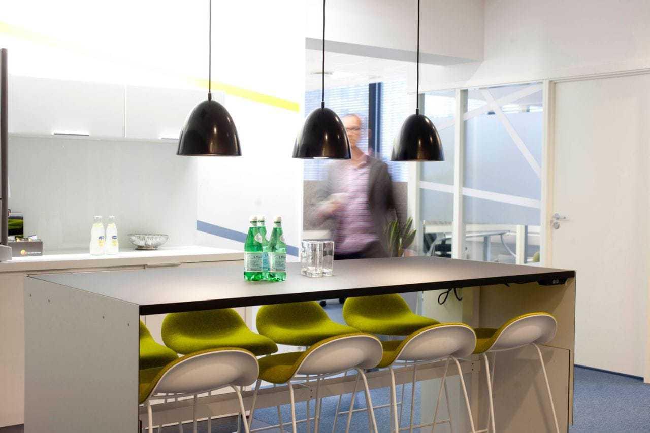 Eks. utforming av mingleområde/kaffebar i lokalene